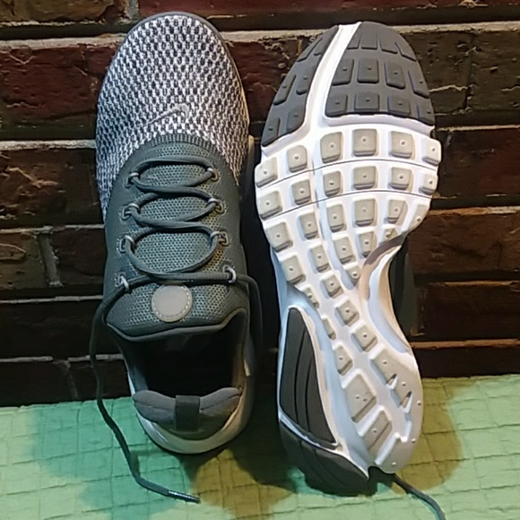 new product b3771 509ad Nike Presto Fly Grey Shoes